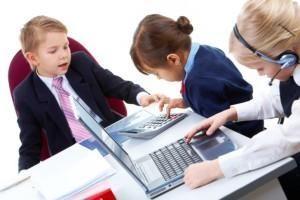 До какого возраста дети считаются детьми: мнения и реальность