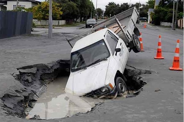 Куда пожаловаться на ямы и плохие дороги
