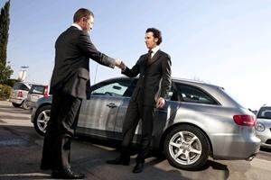 Что входит в заводскую гарантию на автомобиль, сроки ремонта авто по гарантии дилером по закону.