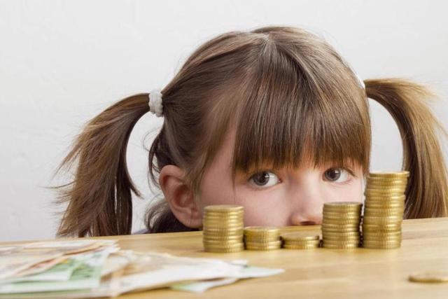 Алименты на 2 детей в 2021 году: размер, расчет, взыскание и выплаты